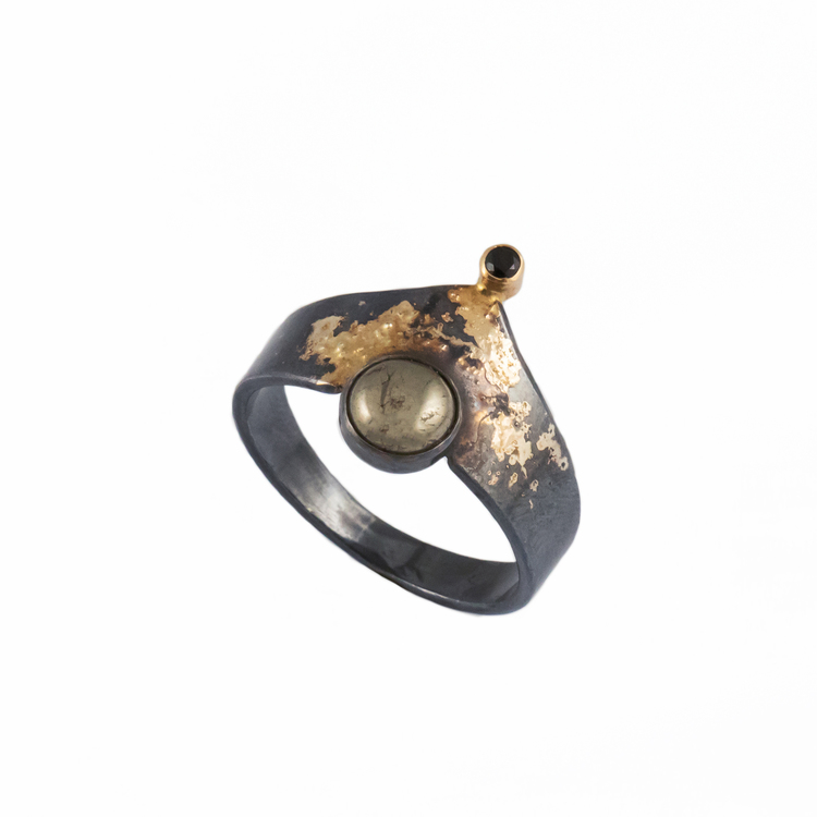 Hampton Gold Dust Mystery Ring
